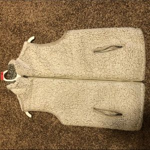 Never worn Thread and Supply Sherpa vest